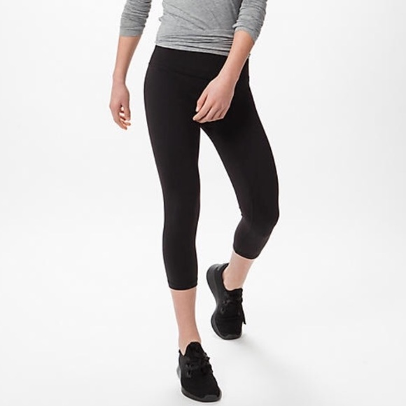 78d2cb12080843 Ivivva Bottoms | Low Rise Black Crop Legging | Poshmark